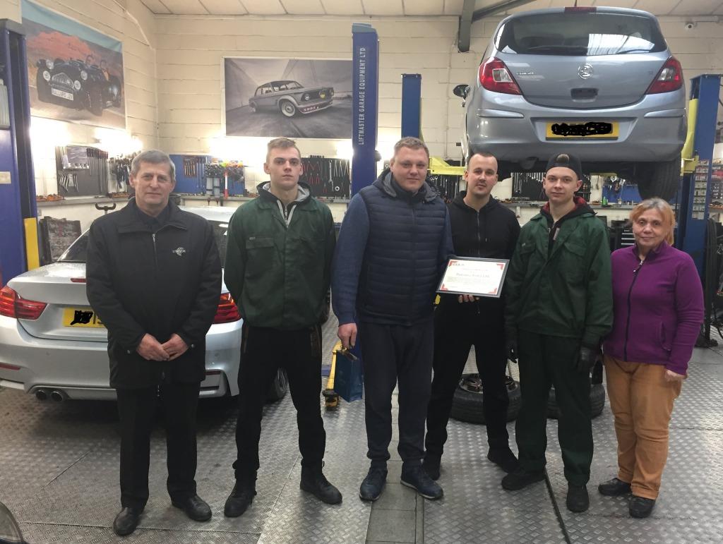 Automobilių mechanikai baigė vizitą Londone